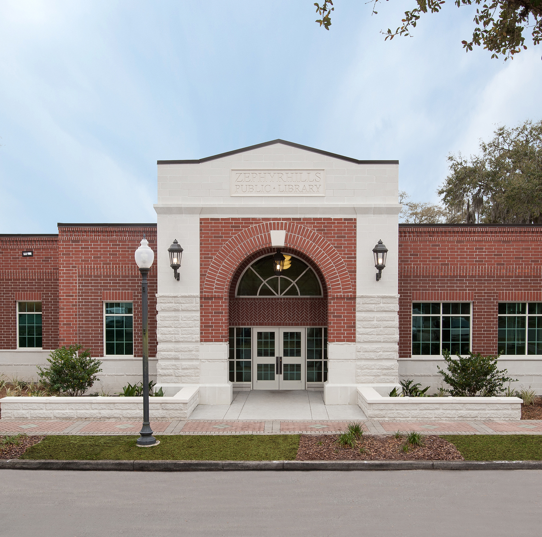 Zephyrhills Public Library
