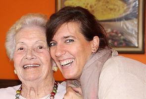 grandma-2637457_1920.jpg