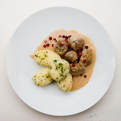 Mästerkockens köttbullar gräddsås, lingon&gurka