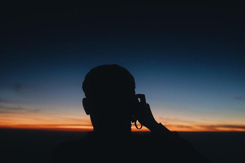 Ombre d'un homme qui prend une photo.jpg