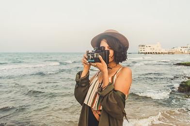 Photographe femme à la plage.jpg