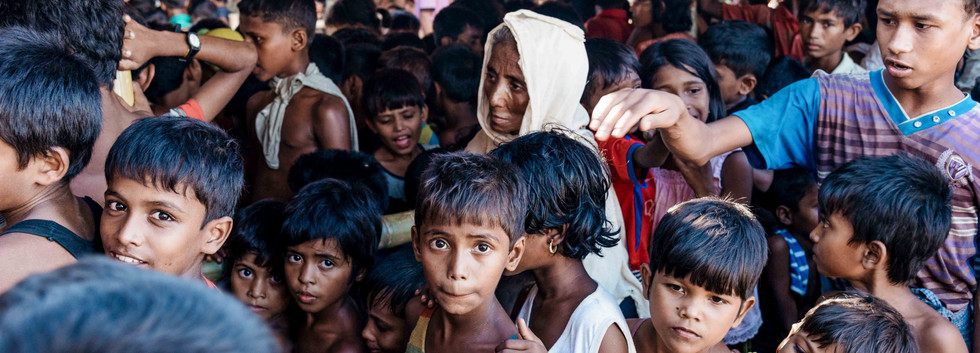 Meal distribution at Cox's Bazar