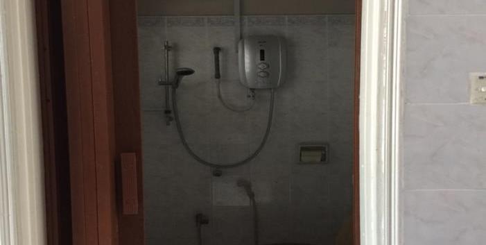 Toilet .jpg