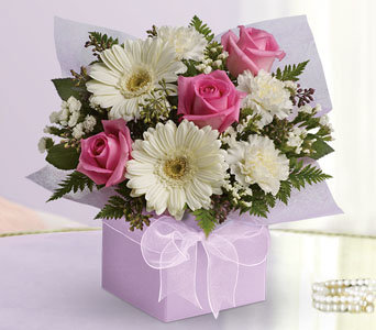 pink  & white box arrangement