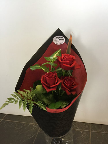 3-red roses
