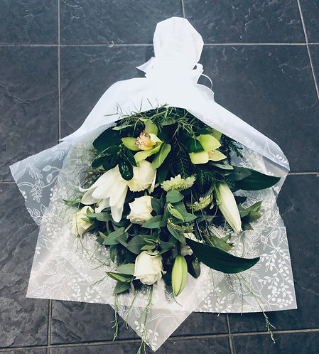 White flat bouquet