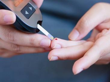 High Blood Sugar: क्यों बढ़ जाता है शुगर लेवल, जानें इसे काबू करने के  उपाय