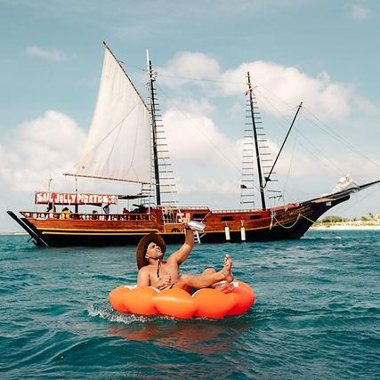 Luna Aruba Giveaway Jolly Pirates.jpg