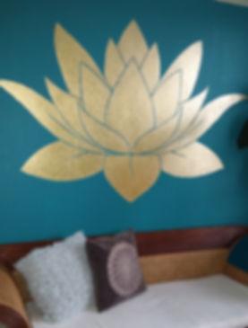 Lotus wand schildering door Cicilia Postma