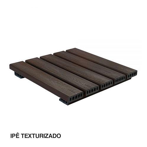 Deck Modular em Madeira Plástica Texturizada 500x500mm.