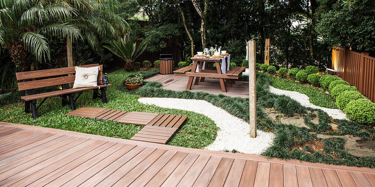 Mesa e banco de Jardim em Madeira Plástica