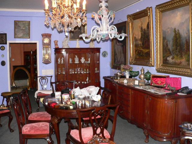 Schmuck- und Antiquitätenhandel