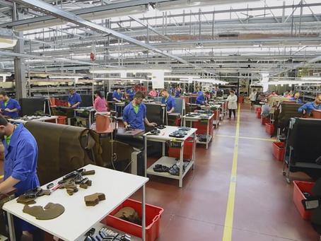 Een kijkje in de Sixton Peak fabriek (film)
