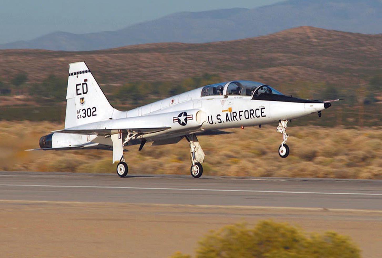 Flying the T-38 Talon USAF