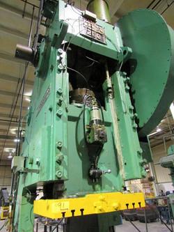 200 ton Clearing ram
