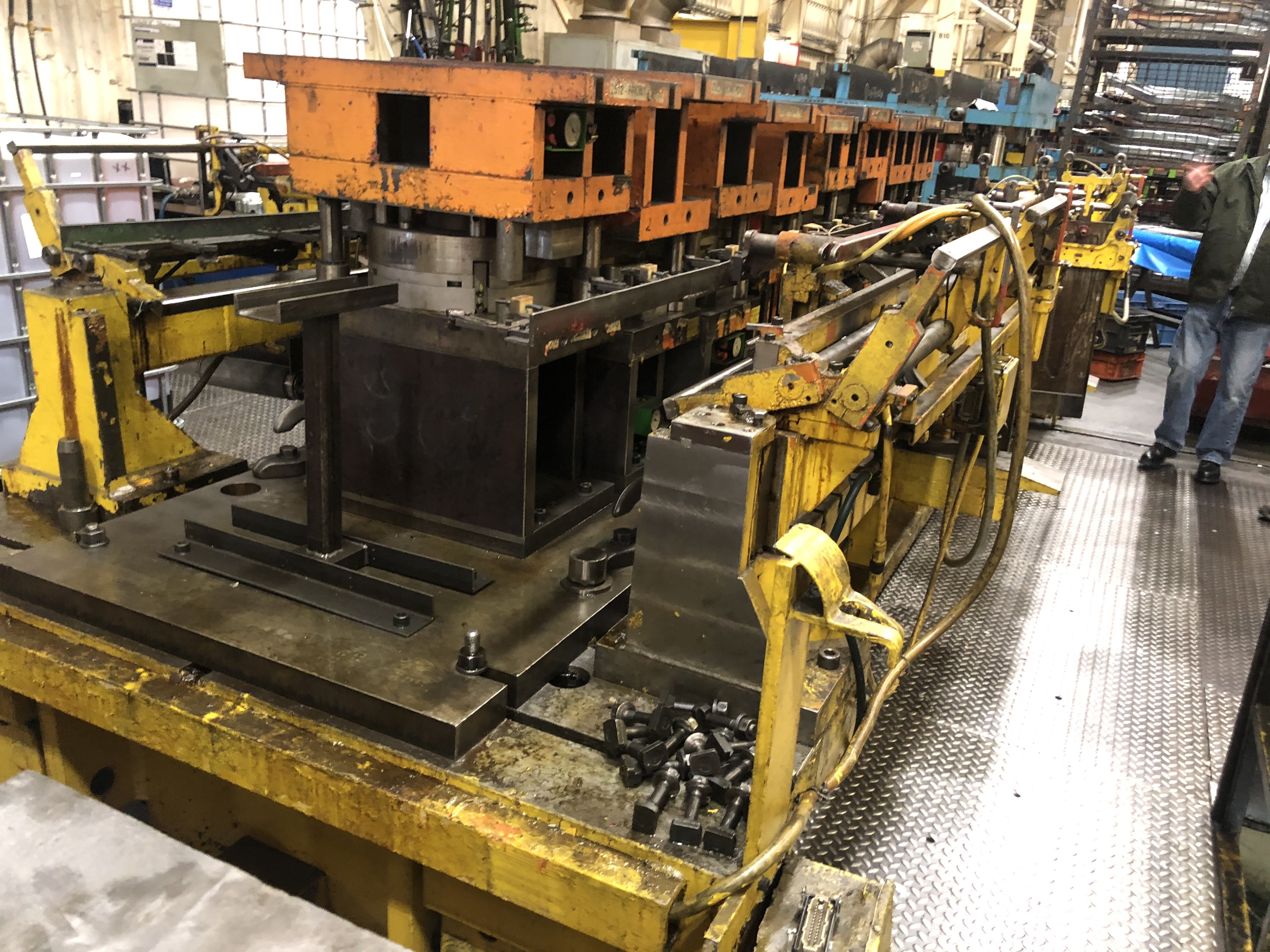 10000 ton Aida8