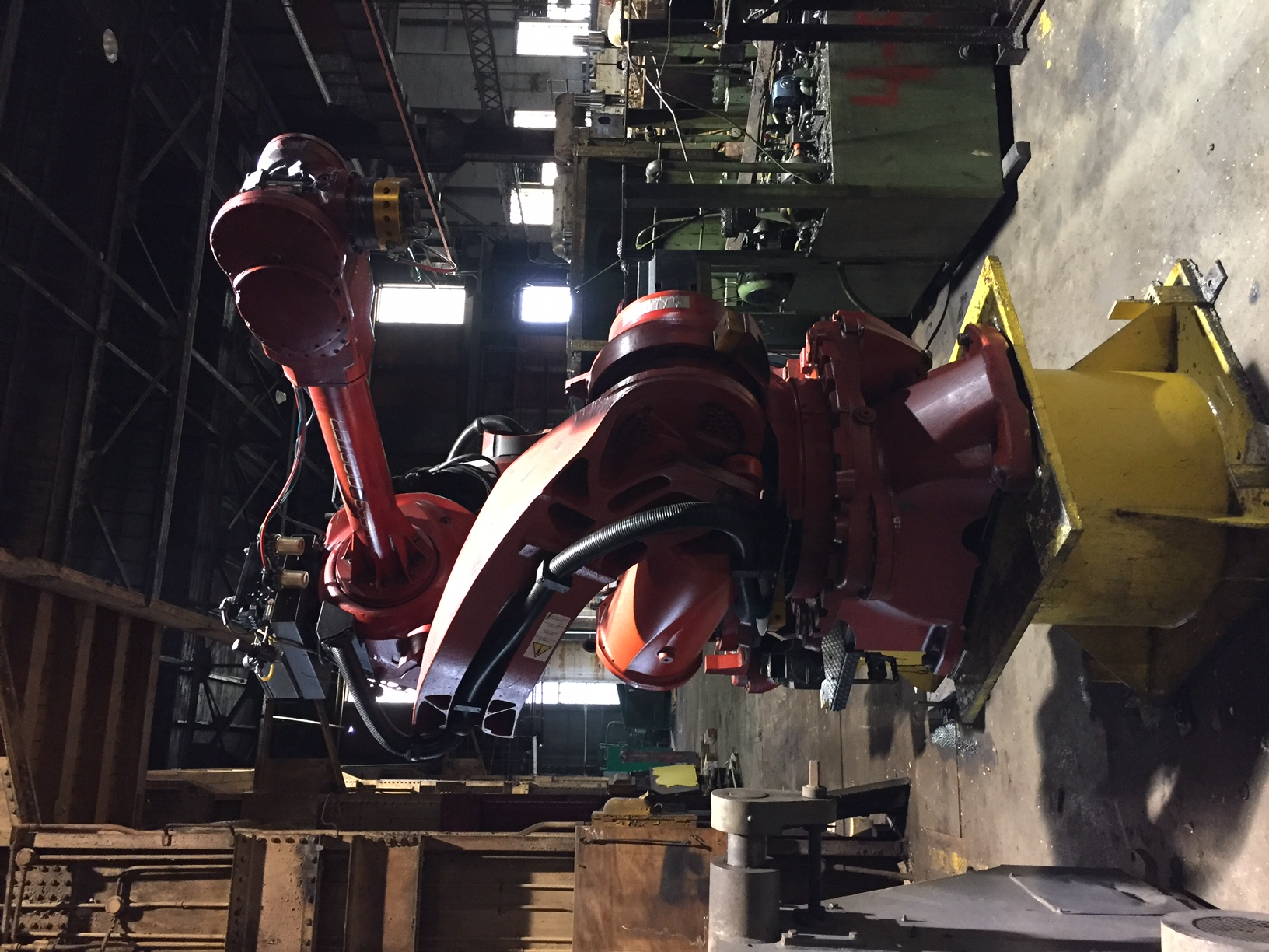Comau Robot Front