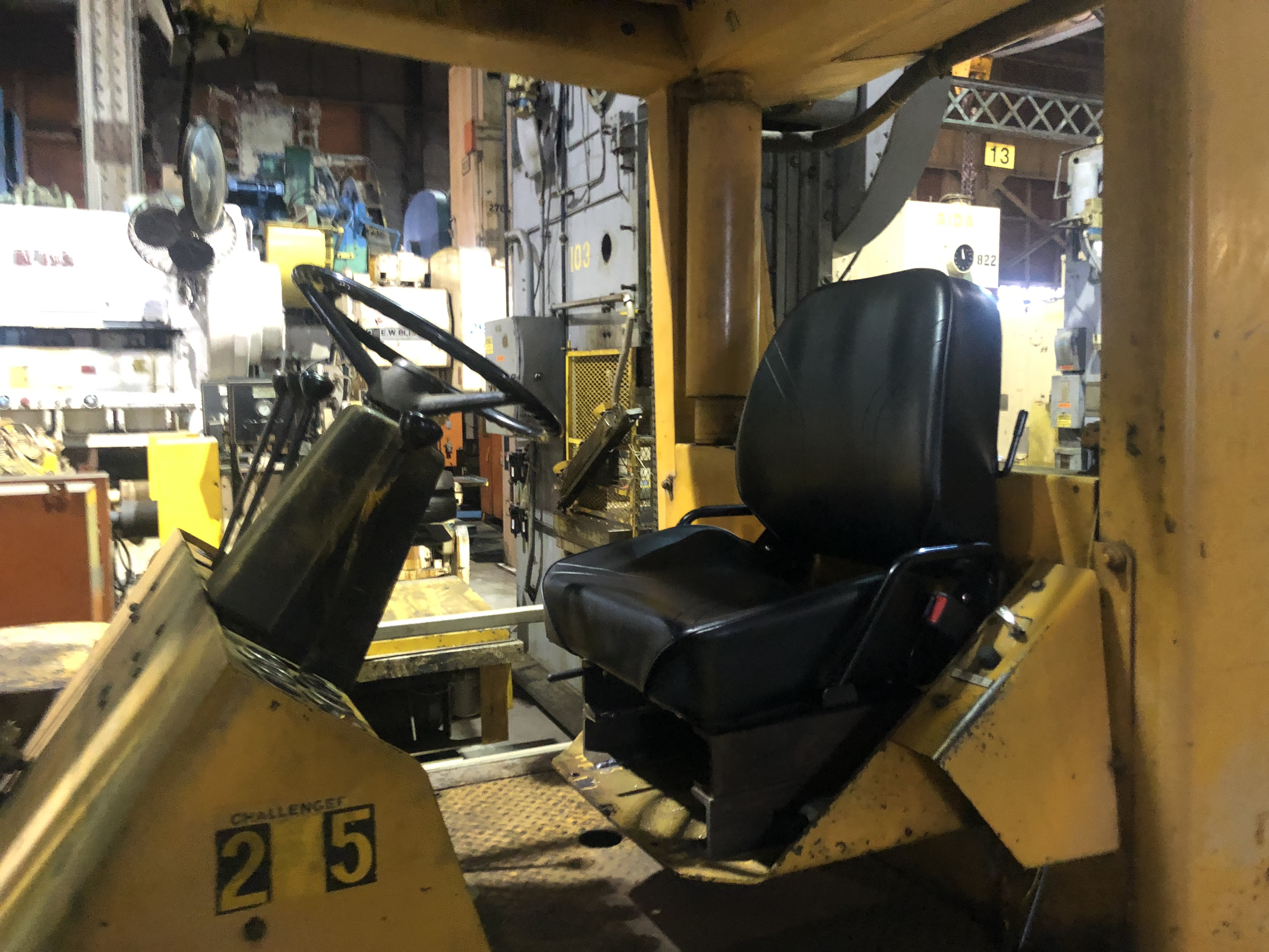 Hyster H250 cab