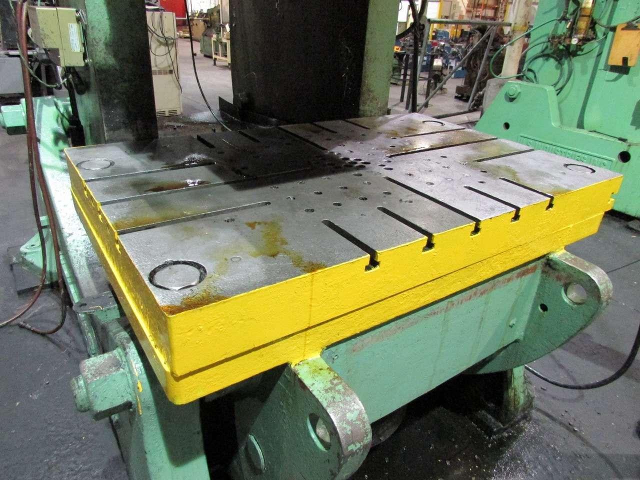 200 ton USI Clearing bolster