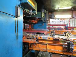2000 ton Verson conveyor