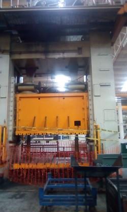 1000 ton Schuler press
