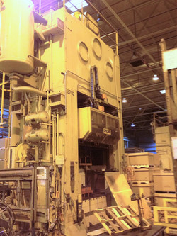 USI Clearing 300 Ton press for sale