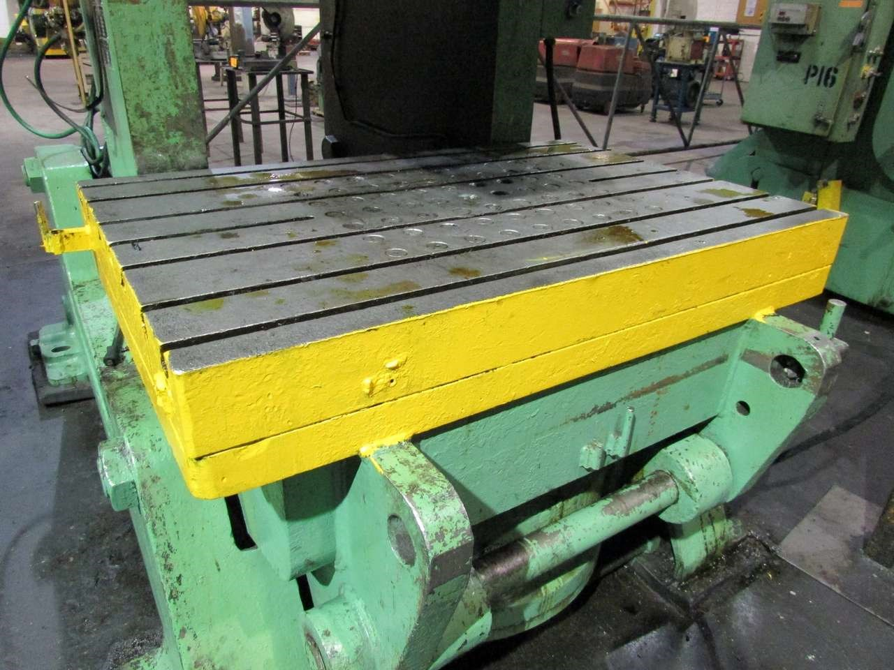 200 ton Clearing bolster plate
