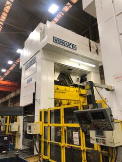 700 ton Muller Weingarten individual press