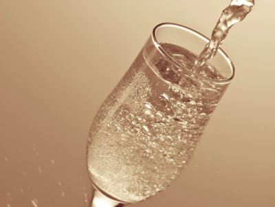 thumbs_46151-cfakepathchampagne-main-newbeauty.png.660x0_q80_crop-scale_upscale.