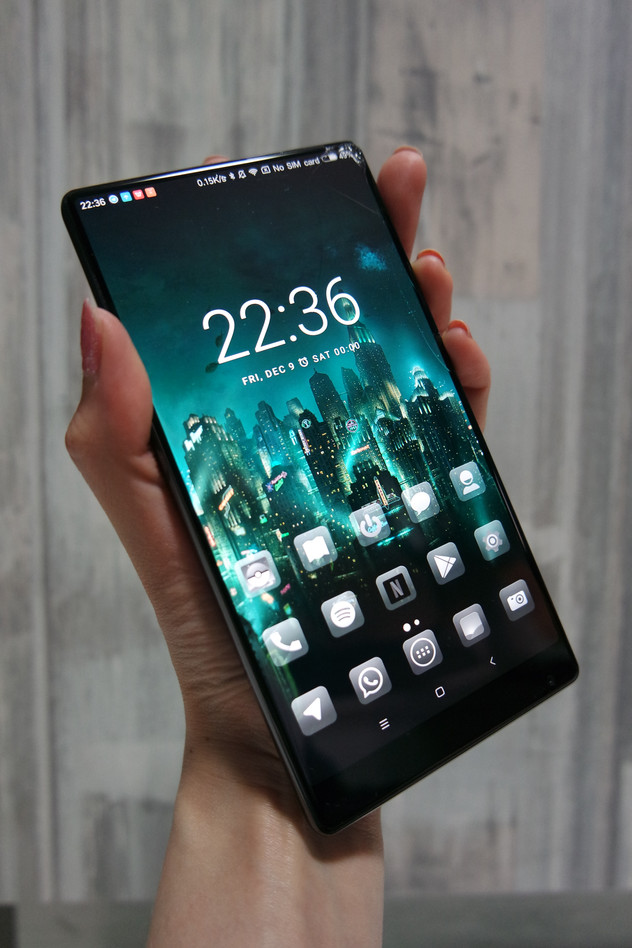 [Review] Xiaomi Mi Mix: Very pretty, but not a very good phone