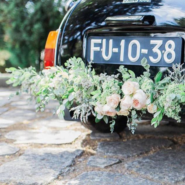 Grinalda para carro dos noivos