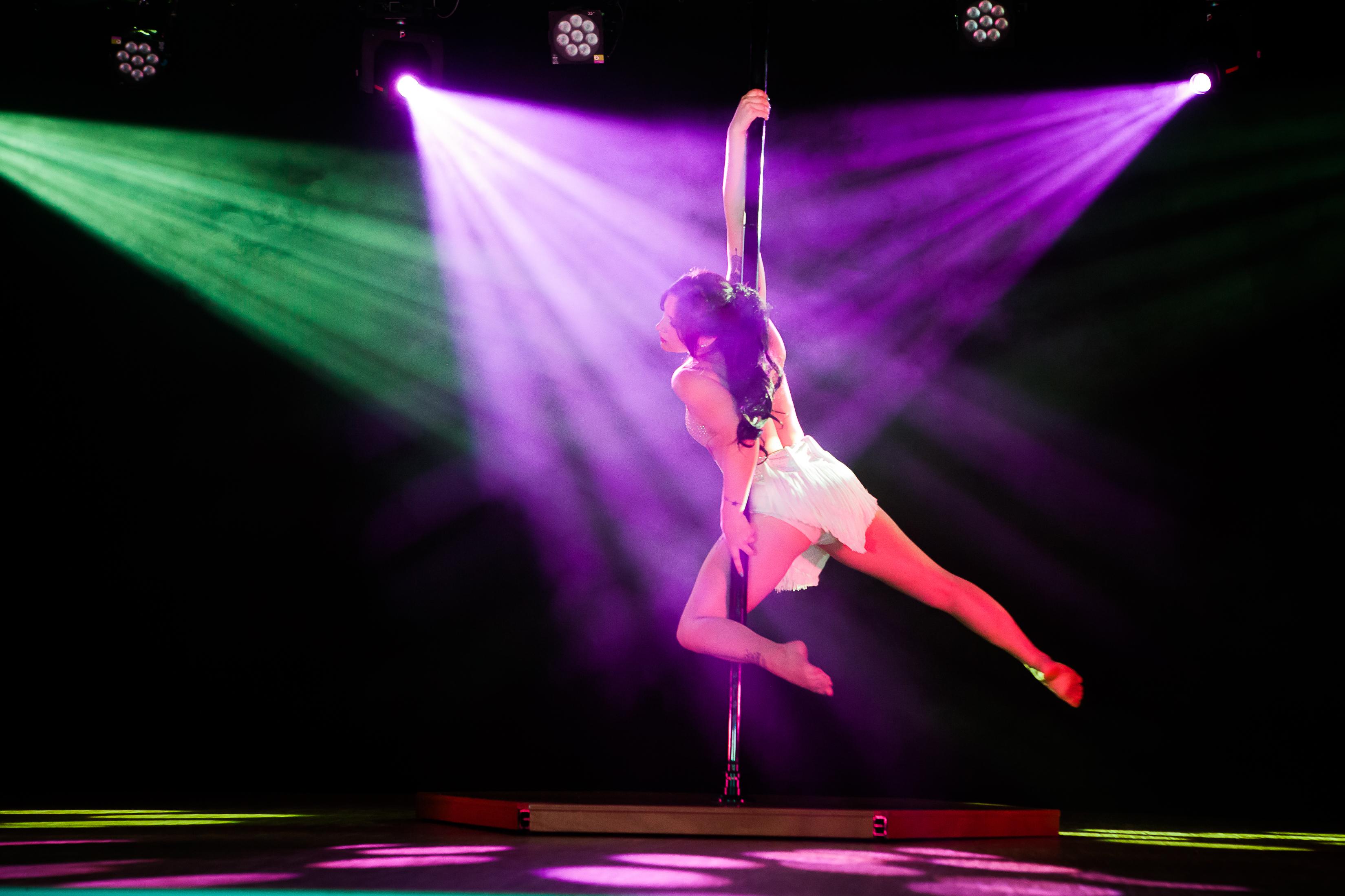 Pole danse Dijon Cabaret