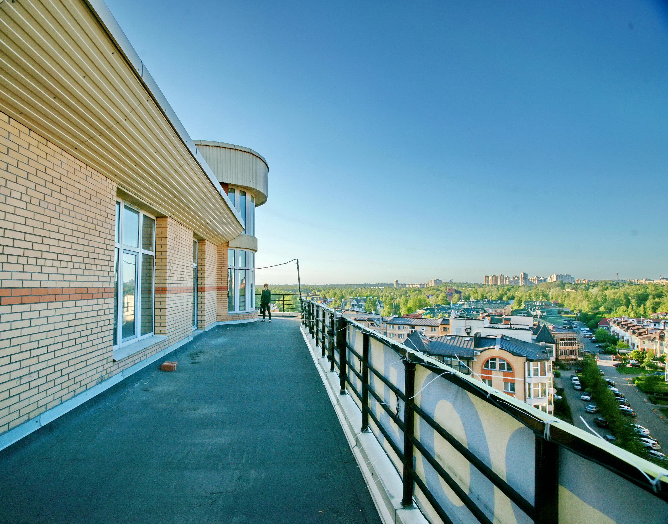 огромная терраса и башня квартиры пентхауса жк Орловский Каскад в Санкт-Петербур