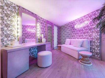 interior furnishes