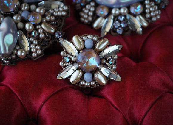 GLOWING RHINESTONE BROOCH Small vintage style