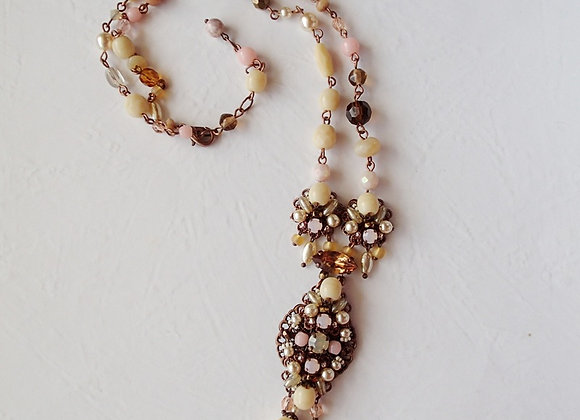 BEIGE RHINESTONE NECKLACE Flavors of Caramel