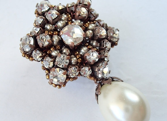 SMALL RHINESTONE FLOWER BROOCH with PEARL DROP