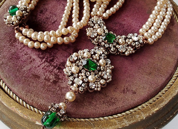 Lucky Emerald NECKLACE