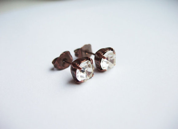 SIMPLE CRYSTAL STUD EARRINGS