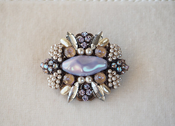 GLOWING RHINESTONE BROOCH Oval front view