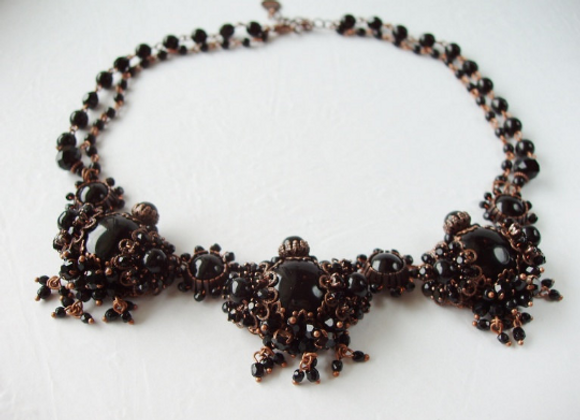 BLACK RHINESTONE NECKLACE