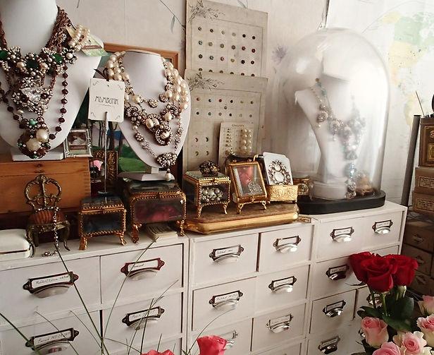 mdmButiik jewelry atelier - vintage style rhinestone jewelry