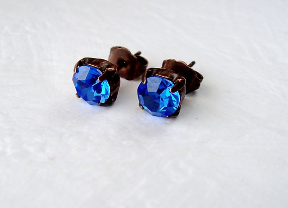 SIMPLE BLUE CRYSTAL STUD EARRINGS