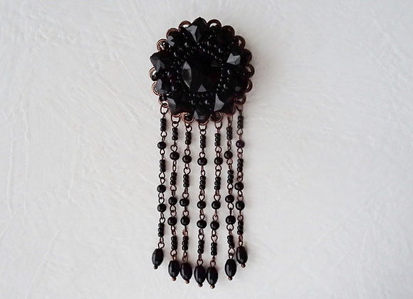 FRENCH JET TASSEL BROOCH IN BLACK