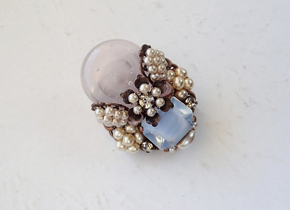 Small PASTEL COLOR BROOCH with Pearls