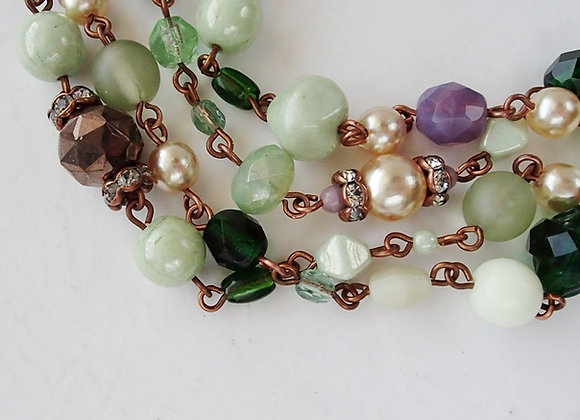GREEN LONG CHAIN NECKLACE