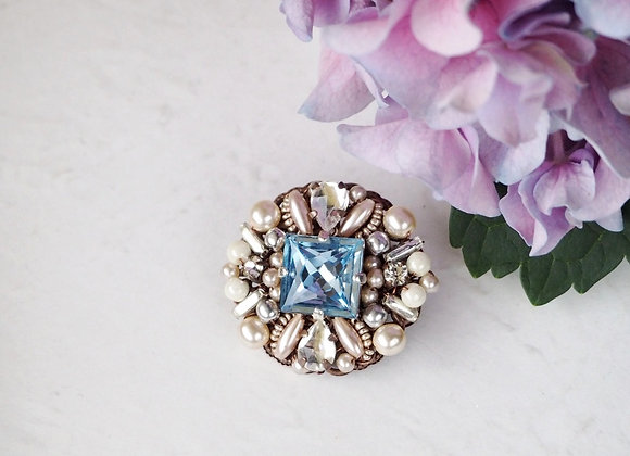 PALE BLUE SMALL RHINESTONE BROOCH