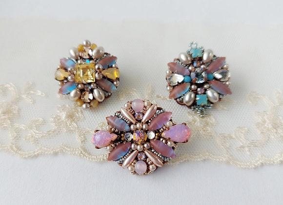 SMALL SAPHIRET BROOCH vintage style rhinestone jewelry
