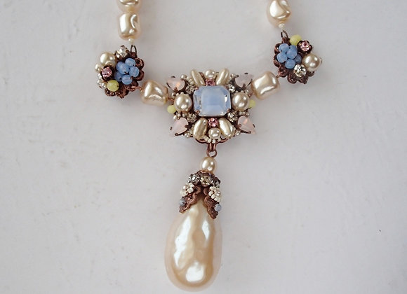 BAROQUE PEARL NECKLACE with PASTEL COLORS Vintage style jewellery
