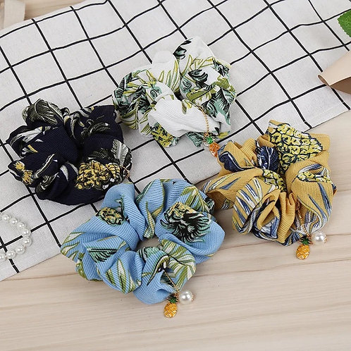 SCRUNCHIES WITH PINEAPPLE CHARM